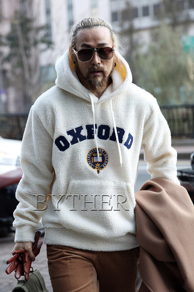 Oxford Patch Woolen Hoodie T-shirts
