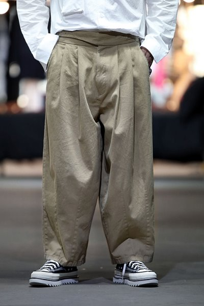 Double Gurkhas Balloon Wide Pants