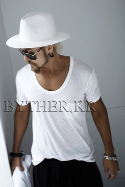 ByTheR Pocket Loose Fit T-Shirt