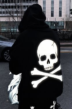 ByTheR Back Skull Scotch Reflective Hoodie T-shirt